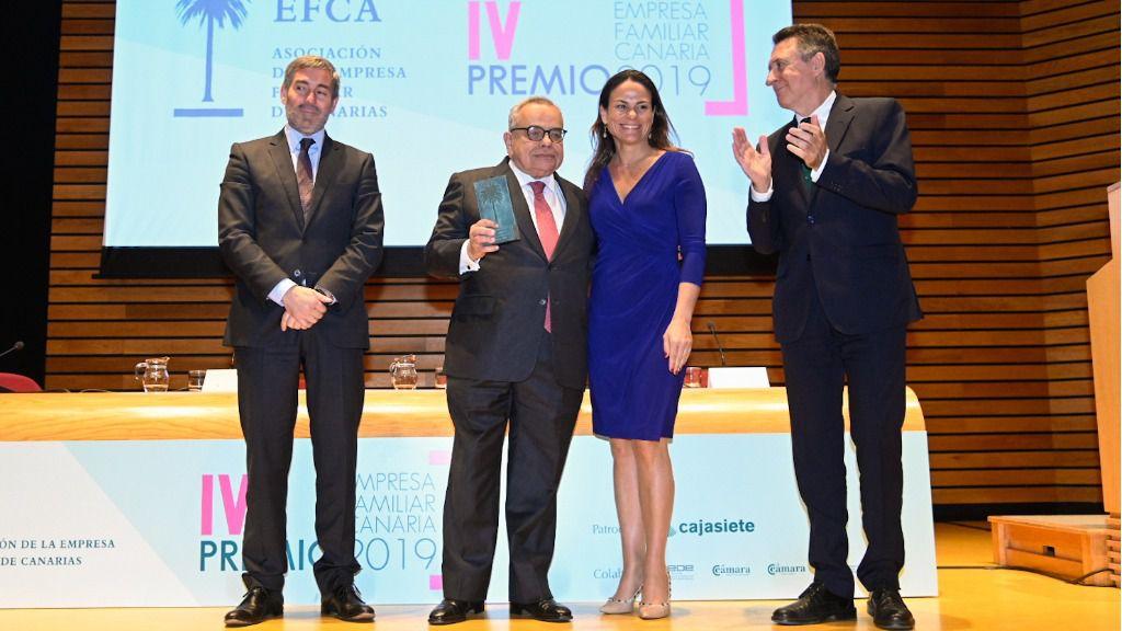 Resultado de imagen de Carmen García Pascual presidenta de la Asociación de Empresas Familiares de Canarias.
