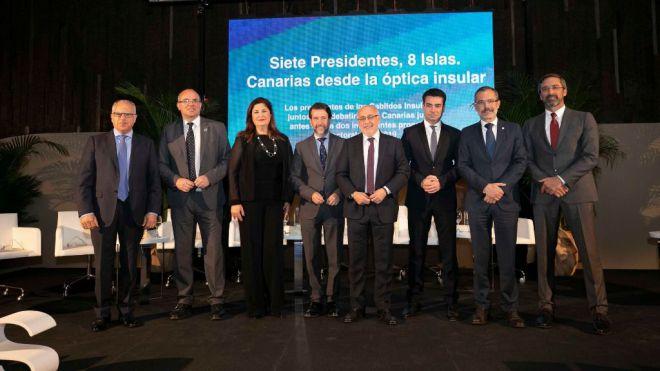 Curbelo apela a una Canarias de iguales en el foro ´Siete presidentes, ochos islas`