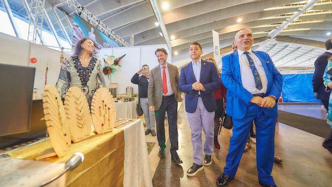 Cien empresas, casi 90 desfiles y diversas presentaciones se dan cita en la Feria de la Moda de Tenerife