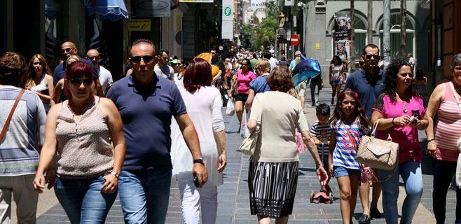 Canarias gana casi 25.000 habitantes en el último año y supera los 2,1 millones
