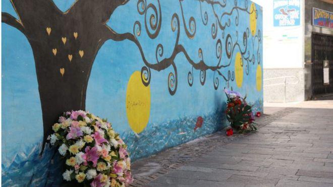 Arona recuerda a las víctimas del derrumbe del edificio de Los Cristianos en el tercer aniversario de la tragedia