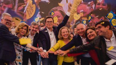 La alianza CC-UxGC se presenta en Infecar ante más de 2.000 personas