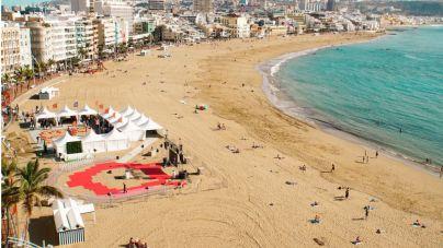 Gran Canaria Moda Cálida cierra 'Vive el Verano' en Las Canteras