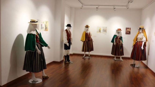 Los Realejos insiste en el correcto uso de la vestimenta tradicional 'Como debe ser'
