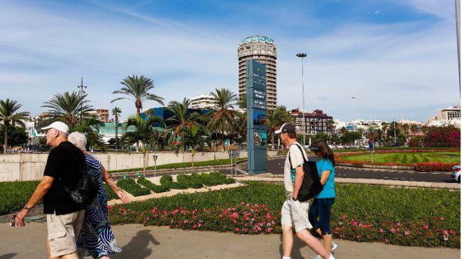 El turismo sigue cayendo, aunque el gasto sube el 8%