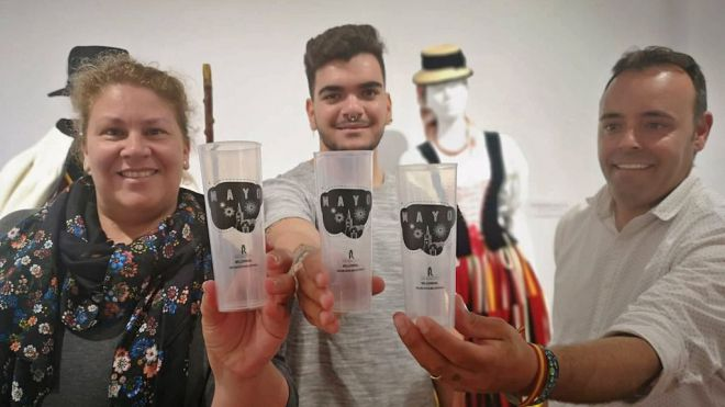 Los Realejos distribuirá gratuitamente 4.000 vasos reutizables en Baile de Magos y Romería