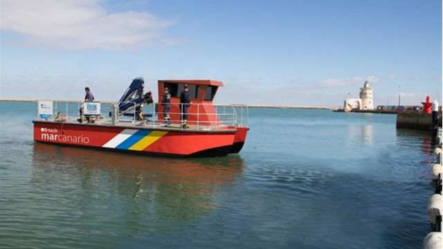 El primer barco para el control de microalgas llegará a Tenerife en junio