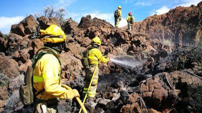 El Cabildo da por controlado el incendio del Parque Nacional del Teide