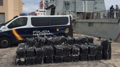 La Policía Nacional intercepta un pesquero cargado con 1.500 kilos de cocaína
