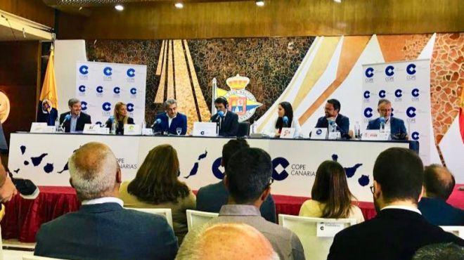 PSOE, PP, Cs, NC y Podemos auguran un cambio de gobierno en Canarias, mientras CC defiende su gestión