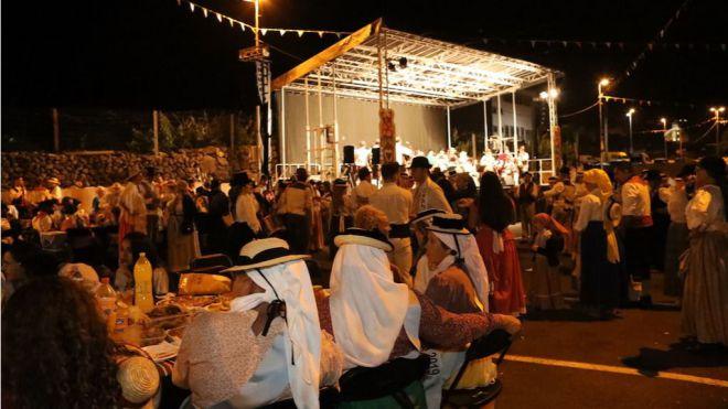 El folclore y la buena gastronomía congregó a miles de personas en el XIX Baile de Taifas