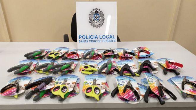 La Policía Local retira casi un centenar de artículos para cortar el rabo a las mascotas