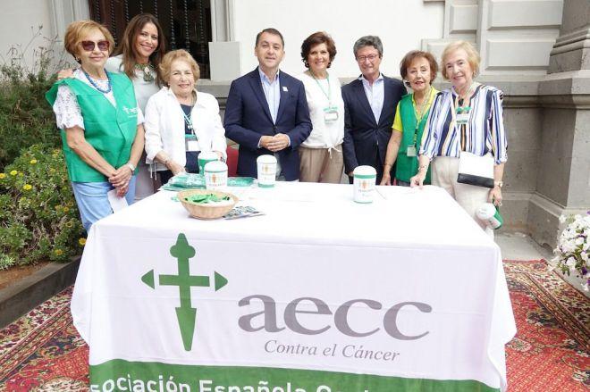 Santa Cruz renueva su compromiso con la Asociación Española contra el Cáncer