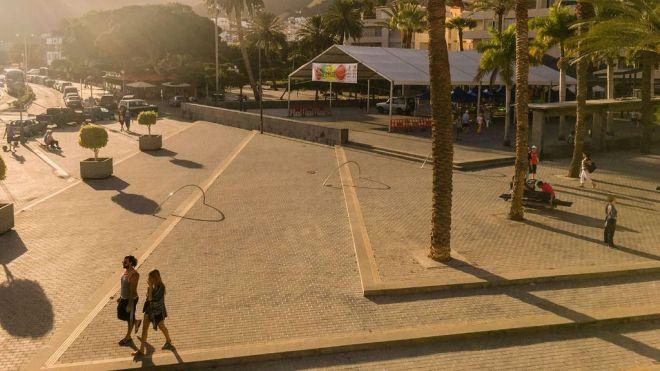 Reyes anuncia la remodelación de la Plaza de Las Américas
