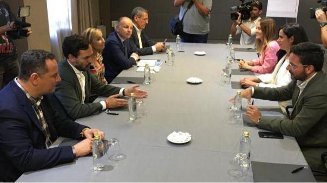 Ciudadanos explorará un acuerdo con PSOE y PP para el Gobierno