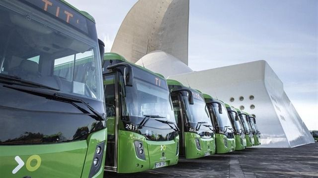 El Cabildo de Tenerife incorpora 30 nuevas guaguas, tres de ellas híbridas