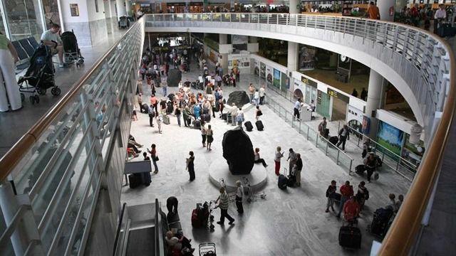 Los aeropuertos de Canarias reciben 18,7 millones de pasajeros hasta mayo, un 1,3% más