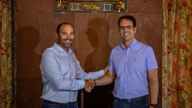 ASG y Nueva Canarias firman un pacto en San Sebastián de La Gomera