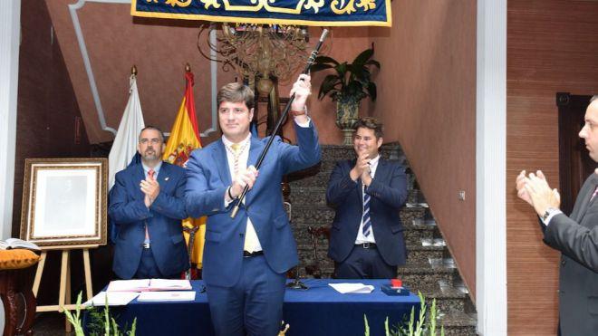 Emilio Navarro tomó posesión como alcalde de Santiago del Teide