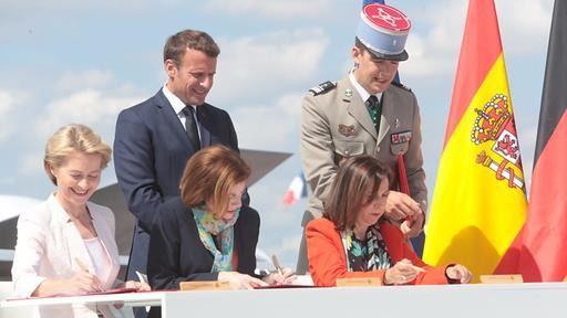 España rubrica su participación en el programa europeo que desarrolla el caza del futuro