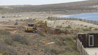 Las palas siguen trabajando en La Tejita pese a la prohibición de Costas