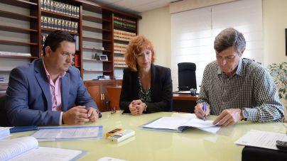 El Cabildo y el Ayuntamiento de Arona suscriben un convenio para el mantenimiento de las zonas verdes