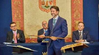 Carlos Alonso toma posesión como presidente del Cabildo de Tenerife