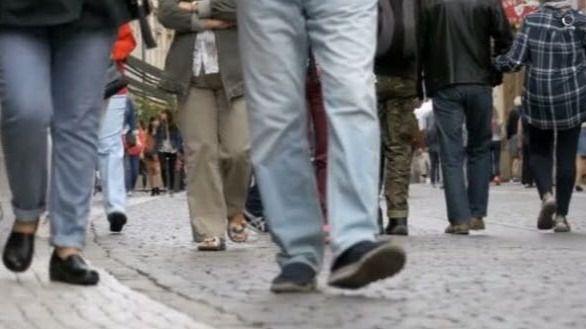 Canarias, la región donde más baja el porcentaje de hogares con mucha dificultad para llegar a fin de mes en 2 años