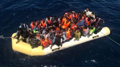 Las llegadas de migrantes en patera a Canarias aumentan un 8% en el primer semestre
