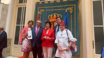 El presidente de la Cooperativa de enseñanza Echeyde, Carlos Sierra, ingresa en la Orden Civil de Alfonso X el Sabio