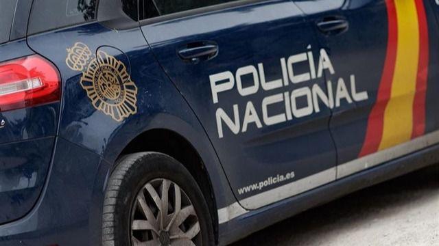 Detenida una mujer en Gran Canaria por abandonar de noche a su tres hijos menores en casa para salir con el novio