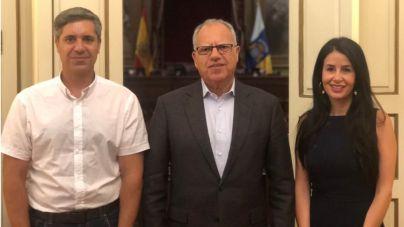 Curbelo preside la Comisión de Turismo, Industria y Comercio en el Parlamento de Canarias