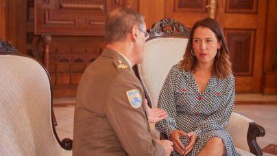 La alcaldesa de Santa Cruz de Tenerife recibe la visita del teniente general del Mando de Canarias
