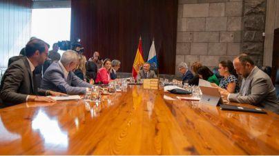 Canarias hace una primera reducción de 140 millones del presupuesto de 2019 para no incurrir en déficit