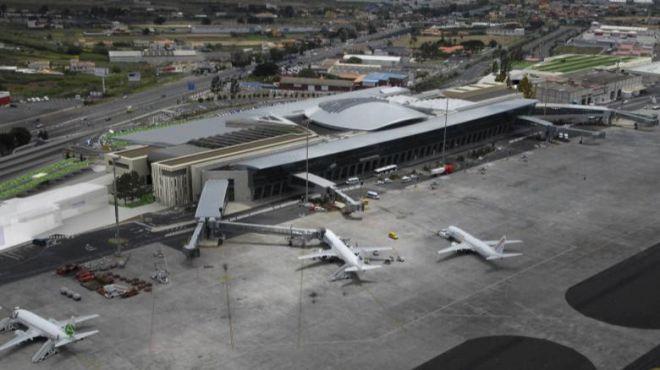 La presencia de dos perros en la pista de Tenerife Norte obliga a desviar cuatro vuelos