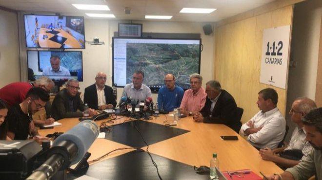 Las rachas de viento de más de 50 km/h no permiten que se de por controlado el incendio en Gran Canaria