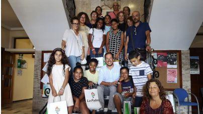 El presidente del Cabildo recibe a menores saharauis que veranean en La Palma