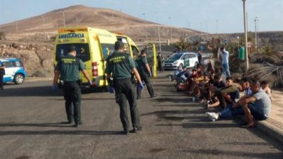 Localizan a 28 ocupantes de una zodiac que arribó por sus propios medios a Fuerteventura
