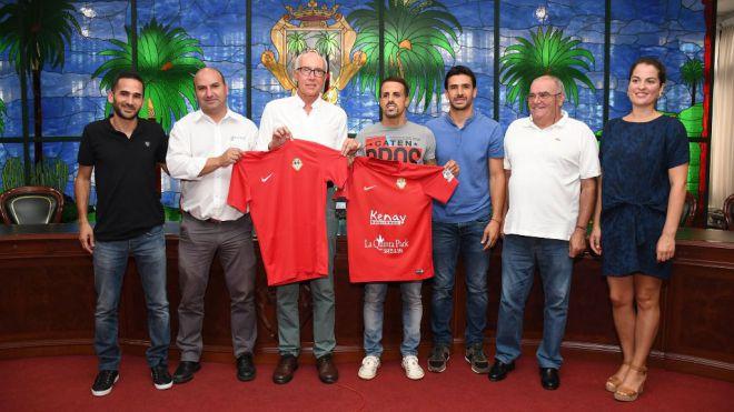 Vitolo elige al CD Santa Úrsula para su regreso al fútbol tinerfeño