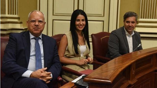 El Parlamento reforma el reglamento para que se forme grupo con tres diputados