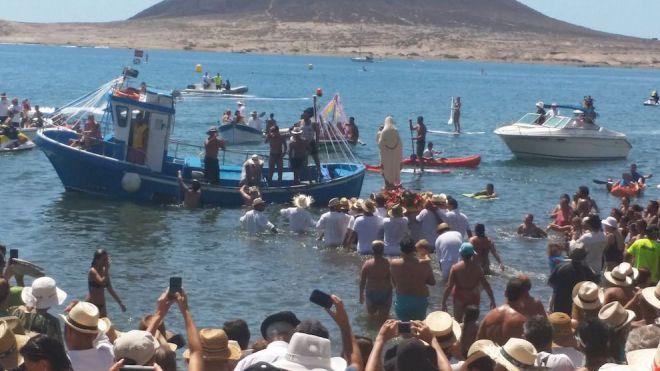 42 carrozas se suman a la XIV Romería Barquera de El Médano