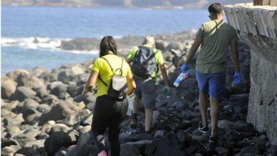 Recogen más de 500 kilogramos de plástico a lo largo de la costa de Agaete