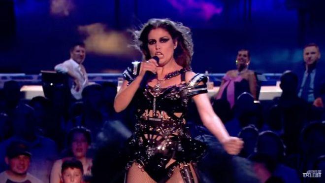 Cristina Ramos pone en pie con su actuación al jurado de Britain's Got Talent The Champions