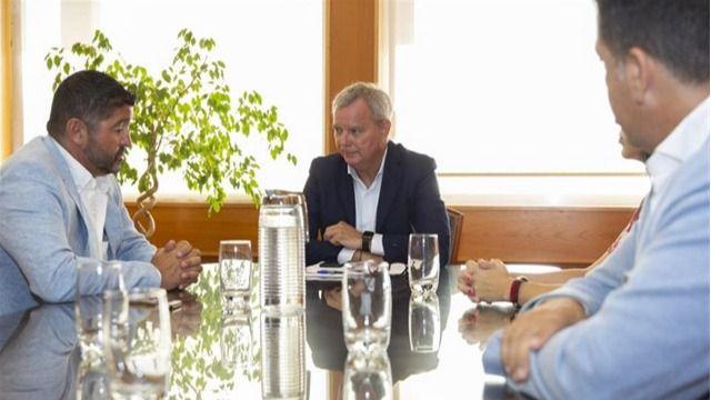 Franquis se compromete con los empresarios del sur de Tenerife a