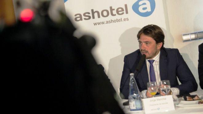 """'Ashotel ya advirtió de que los precios aéreos subirían si no se controlaban al aplicarse el 75% de residente"""""""