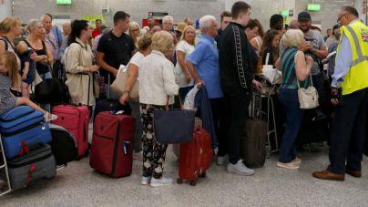 Más de 30.000 turistas afectados en Canarias por la quiebra de Thomas Cook