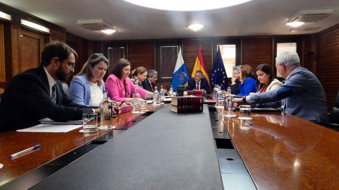 El Gobierno informará al Ejecutivo central de los procedimientos de infracción en trámite por la UE que afectan a Canarias