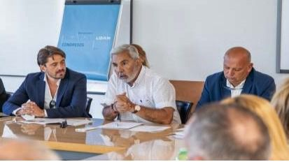 El PSOE de Adeje se pliega ante los empresarios en la crisis tras la quiebra de Thomas Cook