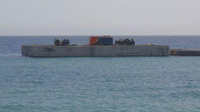 Obras Públicas culmina el dique de bloques de hormigón sobre el que se construirá el nuevo puerto de Playa Blanca