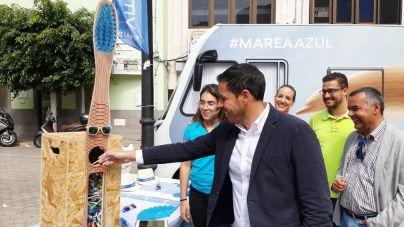 Héctor Suárez y Álvaro Monzón animan a la ciudadanía a sustituir sus cepillos dentales por otros de bambú
